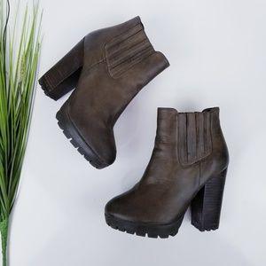 Steve Madden Gabrella Ankle Boots  Sz 6.5